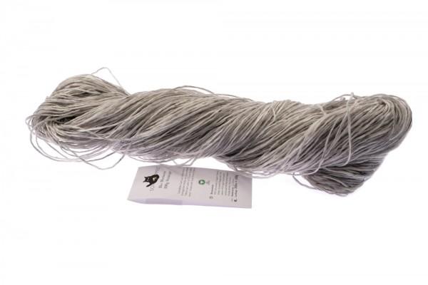 Bio Merinos GOTS 100g Stränge 8899M Schwarz-weiß 95% Schurwolle (Organic Merino Wolle Herkunft Patagonien) 5% Leinen
